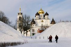 Dmitrov town founded 7 years after Yury Dolgorukyh founded Moscow. The city located 70 kilometres to the north and named after the son of Yuri Dolgorukhyh. Dmitrov is a great place to visit in snow and sunshine, when the gold-domed churches shine inside the white banks of its ancient Kremlin.