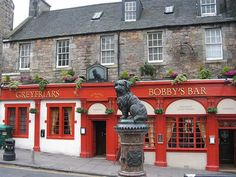 Greyfriars Bobby..Skye terrier that  stayed at his masters graveside for  14yrs. until he died, Scary Places, Great Places, Places Ive Been, Edinburgh Scotland, Scotland Travel, Greyfriars Bobby, Uk Pub, Skye Terrier, Pub Crawl