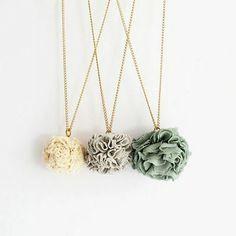 Such a cute DIY necklace