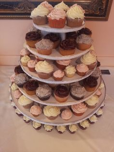 Custom Cakes and Desserts for your parties - Cake Galleries - Wedding Cupcake Tower