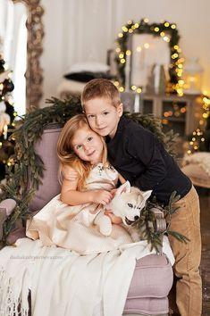 Новогодняя фотосессия - новогодние семейные фотосессии в студии Family Christmas Pictures, Family Photos, Couple Photos, New Year Photoshoot, Christmas Portraits, Christmas Photography, Great Lengths, Children Photography, Cute