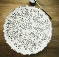 tabak boyama Marble Art, Tile Art, China Painting, Dot Painting, Pottery Painting, Ceramic Painting, Indian Women Painting, Diy Tableware, Tile Crafts