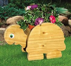 All Yard & Garden Projects - Turtle Flower Pot Planter Wood Plan Wooden Crafts, Diy Wood Projects, Wooden Toys, Woodworking Patterns, Woodworking Projects, Woodworking Workshop, Woodworking Classes, Teds Woodworking, Router Projects