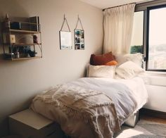 Minimalist bedroom ideas are the epitome of picture perfect home decor. If you need some change in your living space, here are 15 minimalist bedroom ideas that will inspire you to redecorate your room! Home Bedroom, Bedroom Ideas, Modern Bedroom, Master Bedroom, Contemporary Bedroom, Bedroom Decor, Bedroom Ceiling, Bedrooms, Master Suite