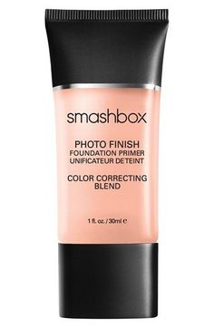 Can't stop talking about this Smashbox Photo Finish primer. It evens skin tone perfectly and counteracts those pesky dark spots, creating the perfect canvas for foundation.