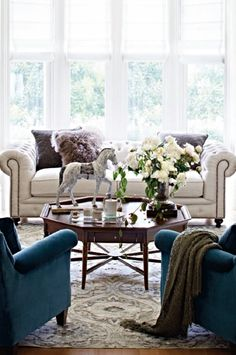 Dating back to the 18th century, the chesterfield sofa was once the mark of class and stature. Today, it's symbolic of great taste. Our Barrow Sofa masterfully replicates this iconic British design – button tufted back with a low, cushioned seat, rolled arms with nailhead trim, and the characteristic equal back and arm height.