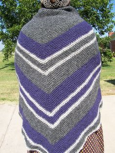 Ravelry: alixtiberga's shawl/ nalbinding
