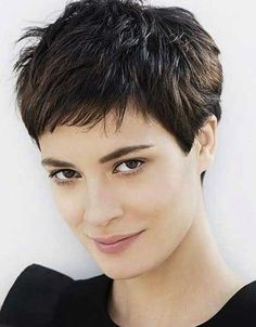 Pixie Haircut Styles - Short Pixie Haircuts - Hottest Pixie Cuts - Pixie hairstyles - pixie haircut for round face - how to style a pixie haircut? Pixie Haircut Styles, Pixie Haircut For Thick Hair, Haircut Styles For Women, Short Hairstyles For Thick Hair, Very Short Hair, Curly Hair Styles, Thin Hair, Layered Hairstyles, Pixie Styles