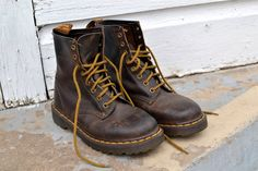 See what is the 3 most important things when choosing a good work boots Dr. Martens, Dr Martens Boots, Good Work Boots, Doc Martens Women, Candy Store, Sneaker Boots, What I Wore, Me Too Shoes, Hiking Boots