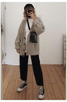 Adrette Outfits, Korean Outfits, Retro Outfits, Cute Casual Outfits, Vintage Outfits, Winter Fashion Outfits, Look Fashion, Korean Fashion, Casual Fashion Style