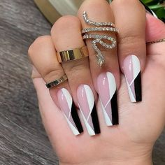 Bling Acrylic Nails, Summer Acrylic Nails, Best Acrylic Nails, Acrylic Nail Designs, Coffin Nails, Dope Nail Designs, Colored Acrylic Nails, Rhinestone Nails, Edgy Nails