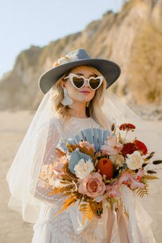 Cowgirl-chic bridal wear made this elopement at the Santa Barbara courthouse SO fun. From bridal boots to her hat and a short wedding dress! Bridal Looks, Bridal Style, Santa Barbara Courthouse, Bridal Portrait Poses, Bridal Hat, Most Beautiful Images, Cowgirl Chic, Bridal Pictures, Bridal Photography