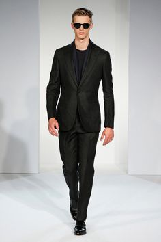 Gieves & Hawkes | Spring 2015 Menswear Collection | Style.com