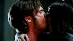 Sam Winchester rocks your world when he kisses you. Sam Winchester Gif, Supernatural Sam, Kageyama, Haikyuu, Kiss And Romance, Cute Relationships, Kiss You, Couple Goals, Tv Shows