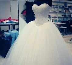 New Sexy Beading Sweetheart White Ivory Ball Gown Bridal Wedding Dress - Wedding Dresses - Ideas of Wedding Dresses Quince Dresses, 15 Dresses, Ball Dresses, Pretty Dresses, Beautiful Dresses, Ball Gowns, Gorgeous Dress, Formal Dresses For Weddings, Bridal Wedding Dresses