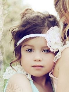 Flower girl photo and adorable headband and hairstyle. Flower Girls, Flower Girl Hairstyles, Wedding Hairstyles, Beautiful Children, Beautiful Babies, Beautiful Flowers, Dream Wedding, Wedding Day, Wedding Stuff