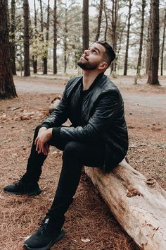 Portrait Photography Men, Photography Poses For Men, Stunning Photography, Photo Pose Style, Photo Poses, Photo Shoot, Mens Photoshoot Poses, Standing Poses, Fall Pictures