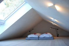 Remodelista Home Inspiration Stories in One Place The master bedroom in the upstairs attic room.The master bedroom in the upstairs attic room. Attic Loft, Loft Room, Deco Studio, Bunk Bed With Desk, Attic Bedrooms, Sleeping Loft, Attic Conversion, Attic Renovation, Attic Spaces