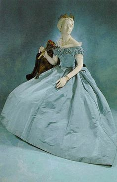 """""""If this had more of a green tone it would look just like Margret's for North and South! :)"""" Charles Frederick Worth, Evening Gown of Pale Blue Silk Taffeta. Paris, - it would look like Margret's! Historical Costume, Historical Clothing, Vintage Gowns, Vintage Outfits, Victorian Fashion, Vintage Fashion, Victorian Era, Edwardian House, Gothic Fashion"""