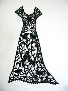 Best dressed paper cut, the word silhouette is also a word to describe fashion. First paper cuts were used in the Tang Dynasty for Chinese embroidery patterns! Silhouette Artist, Silhouette Portrait, Chinese Paper Cutting, Paper Art, Paper Crafts, Chinese Embroidery, Paper Magic, Diy Dress, Paper Quilling