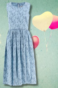€69.00 Where vintage meets modern... 🎈 Our Leia summer dress is a simple shape with a whimsical print 🥰👗☀️ Available in uk size 8-18 Vintage Inspired Dresses, Vintage Style Outfits, Vintage Dresses, Vintage Fashion, Good Earth India, Blue Dresses, Summer Dresses, Irish Design, Printed Balloons