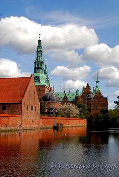 Frederiksborg Castle - Hillerød, Denmark  http://www.photographybykeyra.com/