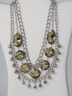 I LOVE this necklace!... Seriously so beautiful!