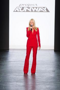 Heidi Klum looks stunning in red on the Season 14 finale. Fall Fashion Week, Autumn Fashion, Becoming An American Citizen, Tom Kaulitz, Project Runway, Heidi Klum, Famous Women, Looking Stunning, Business Women