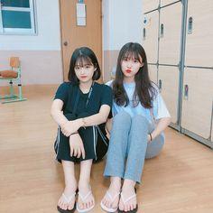 Korean Beauty Girls, Korean Girl, Asian Girl, Girls In Love, Cute Girls, Teen Fashion, Korean Fashion, Korean Best Friends, Ulzzang Korea