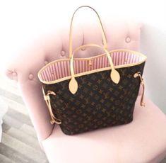 2019 New Louis Vuitton Handbags Collection for Women Fashion Bags Must have it! Louis Vuitton Handbags, Fashion Handbags, Purses And Handbags, Fashion Bags, Tote Handbags, Fashion Purses, Womens Fashion, Fashion Trends, Louis Vuitton Neverfull