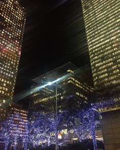 Lights & Buildings in Canary Wharf #night #lights #nofilter #fw #londonfw #imback #models #catwalk #shot #work #photo #video #travel #follow #cute #followforfollow  #summer #fun #smile #friends #amazing #follow4follow #follow #studio #canarywharf #canarywharfstation #london #thisislondon by claudiacarpentier