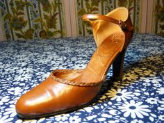 Tan brown with plaited edging LABELLE high heels strap strappy mary janes - size 6 or 39 - French 70s 80s vintage