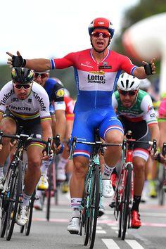 Bi_cyclistnetn On Kik Cycling Gear, Cycling Shorts, Cycling Outfit, Lycra Men, Wrestling Singlet, Soccer Guys, Sexy Men, Hot Men, Bicycle Race
