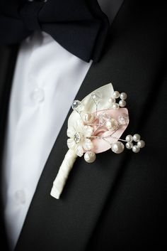Boutonniere for men Ivory Pink Wedding Boutonniere Fabric Buttonhole Wedding Boutineer Grooms Boutonniere Brooch Boutonniere Corsage And Boutonniere, Wedding Boutonniere, Vintage Boutonniere, Wedding Bouquets, Wedding Flowers, Button Holes Wedding, Bridal Packages, Zeina, Pink Petals