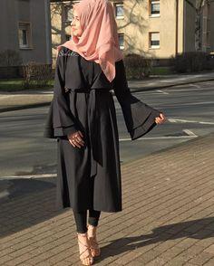 Hijab Style Dress, Hijab Chic, Hijab Outfit, Abaya Fashion, Modest Fashion, Fashion Dresses, Muslim Women Fashion, Islamic Fashion, Mode Abaya