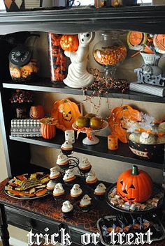 Cute Halloween hutch decor - I have almost all of these items but have never put them together. Retro Halloween, Spooky Halloween, Vintage Halloween Decorations, Halloween Table, Halloween Home Decor, Holidays Halloween, Halloween Treats, Happy Halloween, Halloween Party