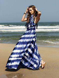 Just a Pretty Style: Women's fashion striped maxi dress Fashion Moda, Look Fashion, Beach Fashion, White Fashion, Dress Fashion, Fashion Clothes, Style Clothes, Gothic Fashion, Men Fashion