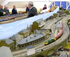 Well set up design & aesthetic form as whole layout. N Scale Trains, Real Model, Model Train Layouts, Round House, Ho Scale, Model Homes, Model Trains, Scale Models, Urban