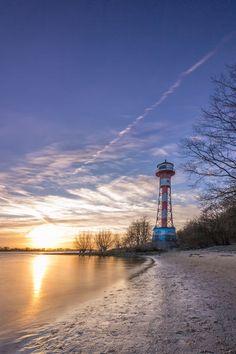 'Leuchtturm Wittenberge an der Elbe' von Dennis Stracke bei artflakes.com als Poster oder Kunstdruck $18.71