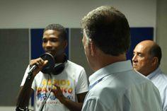 Presidente Juan Manuel Santos conociendo las experiencias exitosas de la comuna 21.  Crédito Juan David Padilla @Congo Amarillo MinCultura 2013.