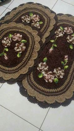 Crocheted Bathroom Set Ideas for Crochet Lovers Crochet Diagram, Filet Crochet, Crochet Doilies, Crochet Flowers, Crochet Carpet, Booties Crochet, Diy Arts And Crafts, Crochet Accessories, Baby Blanket Crochet