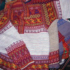 Traditional Finnish fisherman's, the Korsnäs sweater from village of Korsnäs. Tapestry Crochet Patterns, Knitting Patterns, Fair Isle Knitting, Hand Knitting, Freeform Crochet, Knit Crochet, Style Patterns, Textiles Techniques, Fair Isle Pattern