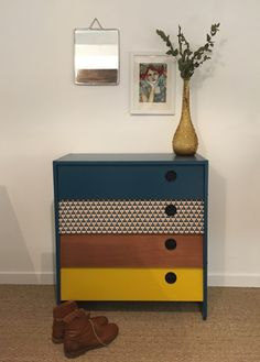 40 Amazing Retro Furniture Design Ideas For Vintage Look. Furniture manufacturers are receiving connected with breaking retro or up the idea with respect. Retro furniture today's designs are sur. Retro Furniture Makeover, Diy Furniture Renovation, Refurbished Furniture, Repurposed Furniture, Furniture Projects, Vintage Furniture, Furniture Decor, Painted Furniture, Furniture Design