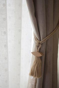 麻ひもカーテンタッセル Curtains, Home Decor, Insulated Curtains, Homemade Home Decor, Blinds, Draping, Decoration Home, Drapes Curtains, Sheet Curtains