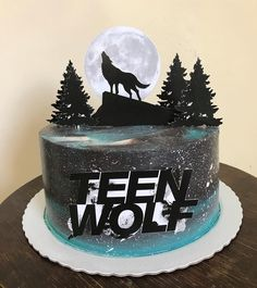 Bolo TEEN WOLF! #boloteenwolf 13 Birthday Cake, 13th Birthday, Birthday Parties, Teen Wolf Quotes, Teen Wolf Memes, Teen Wolf Stiles, Teen Wolf Cast, Teen Wolf Poster, Cute Food