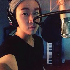 Super Junior's Henry teams up with famous choreographer Brian Puspos for hinted comeback