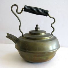 Brass Teapot Kettle Ornate Twisted Handle Wood Diamond Spout No Leaks 24 oz.