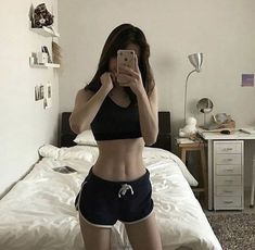# skinny girl 𝗣𝗜𝗘𝗗 𝗣𝗜𝗣𝗘𝗥 ── eighth member. Ulzzang Fashion, Ulzzang Girl, Korean Fashion, Skinny Inspiration, Body Inspiration, Korean Look, Korean Girl, Aesthetic Body, Aesthetic Clothes