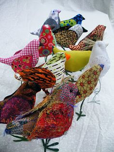 How about some fabric birds in the fairy kingdom? Fabric Animals, Fabric Birds, Fabric Art, Paper Birds, Fabric Crafts, Textile Fiber Art, Textile Artists, Bird Sculpture, Soft Sculpture