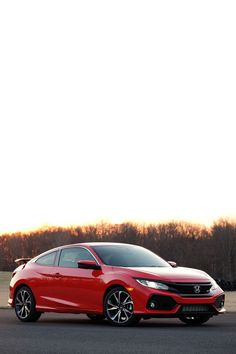 Kick it into high gear with the all-new turbocharged 2017 Honda Civic Si.